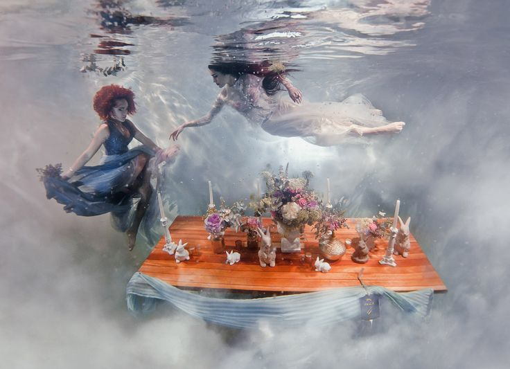 "UNDERWATER STYLED SHOOT ""Briefe an meine Liebe"" – ein märchenhafte Unterwasser-Hochzeitsinspiration von Absolute Perfection Event Planning und Ilse Moore Photography"