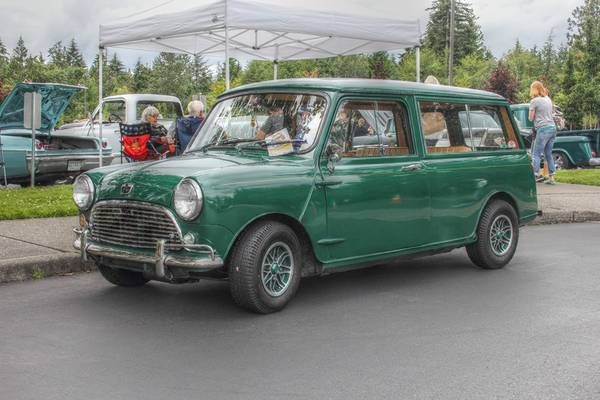 good looking lhd lwb 1967 austin mini countryman auto. Black Bedroom Furniture Sets. Home Design Ideas