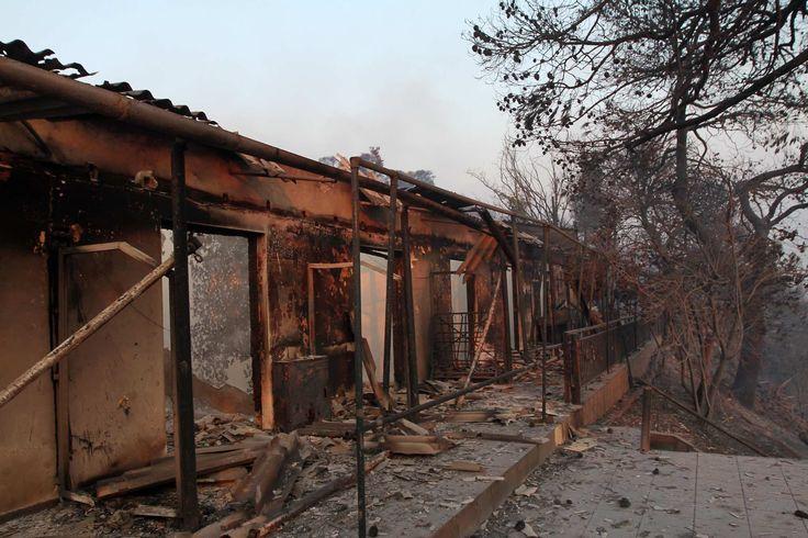 Για τρίτη μέρα η Εύβοια στις φλόγες – Στάχτη 20.000 στρέμματα δάσους