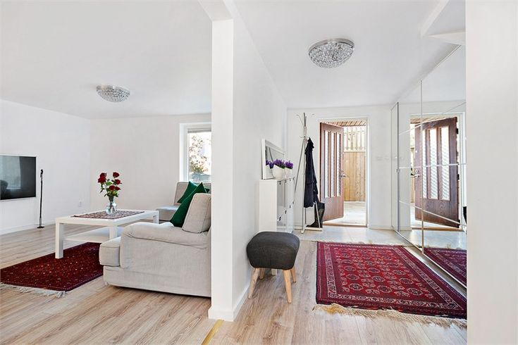 Varpholmsgränd 27, Skärholmen, Stockholm - Fastighetsförmedlingen för dig som ska byta bostad