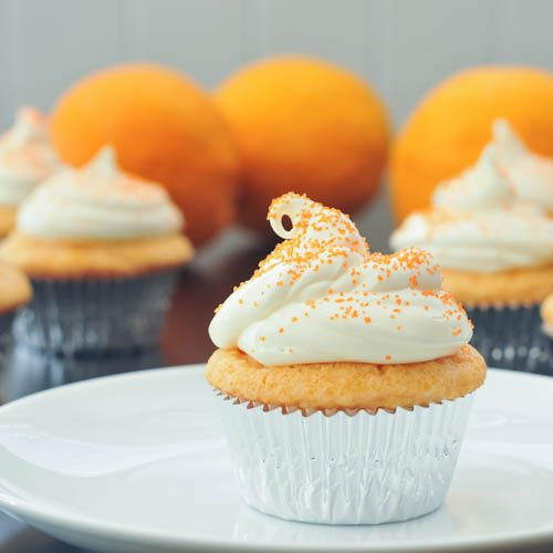 orange creamsicle cupcakes mmmm....: Delicious Yummy, Orange Creamsicle, Creative Cupcakes, Great Ideas, Christmas Ornament, Vegans Food, Cupcakes Rosa-Choqu, Creamsicle Cupcakes, Baby 1St Christmas