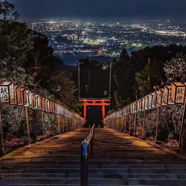 This Is The Kora Taisha Shrine Kurume This Is The Kora Taisha Shrine Kurume Fukuoka Streetphotography Travelphotography Landascape Friends 福岡 夜景 風景 絶景