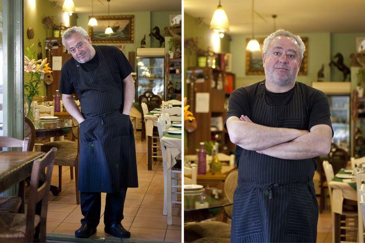 Και έχει μαέστρο τον Νίκο Μιχαήλ, ο οποίος φτιάχνει ασυνήθιστα πιάτα θαλασσινών…
