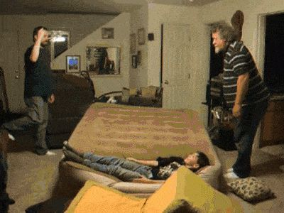 Vaya Face!: El día que a mi padre y a mi abuelo se les fue la pinza, pero muchísimo... (Gif)