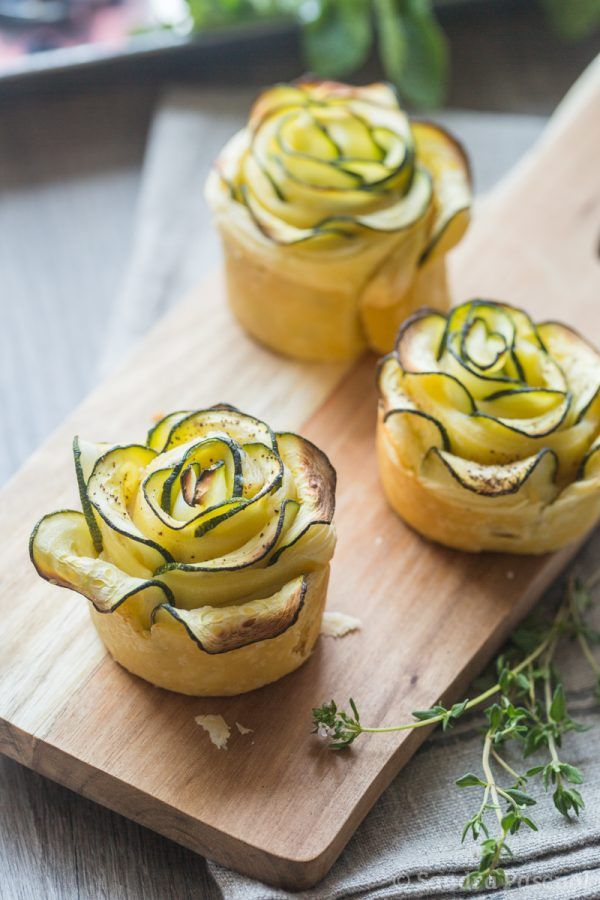 1 roll puff pastry, 2 zucchini, 100 g fresh goat cheese, 2 sprigs mint, salt, pepper. - video recipe...
