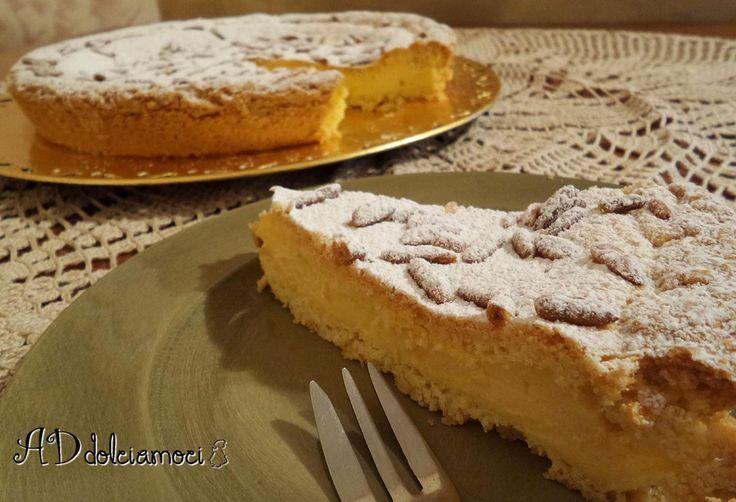 oggi per il pranzo della domenica un classico: la torta della nonna :) http://addolciamoci.altervista.org/2014/11/torta-nonna/