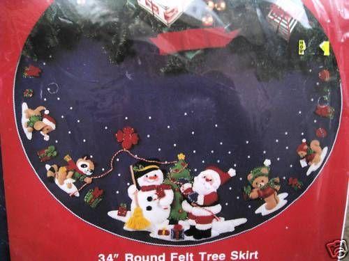 BUCILLA Felt Applique Christmas Holiday TREE SKIRT Kit,SANTA AND SNOWMAN,Animals