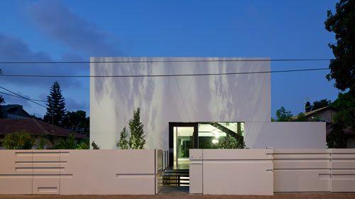 Ramat Gan House by Pitsou Kedem via Design Milk
