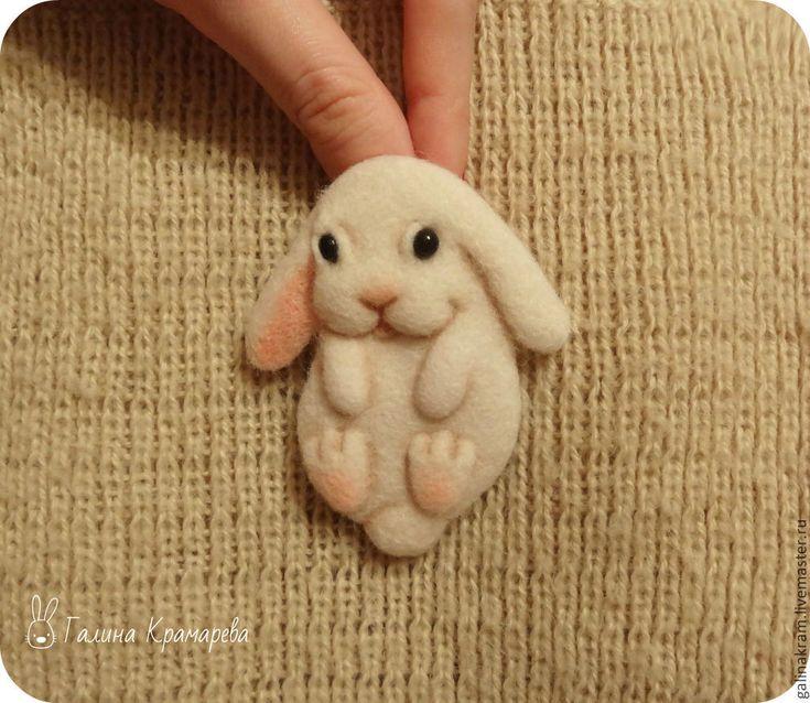 """Купить Брошь """"Крольчишка"""" - белый, крольчонок, кролик, зайчик, зайка, заяц…"""