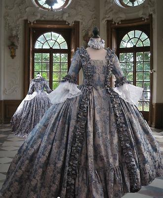 Me gustaria haber vivido en esos dias de vestidos largos y pomposos
