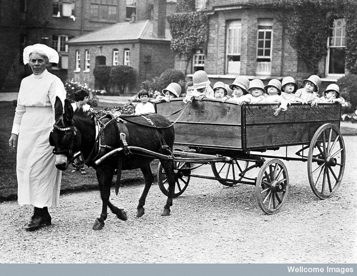 The 18-seater pram, Park Royal Hospital, Willesden, London, 19 Aug 1925