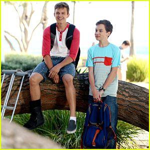 Hayden Byerly & Gavin MacIntosh Talk Jonnor & 'The Fosters' Summer Premiere (JJJ Interview)