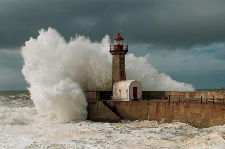 Fantastic seaside photo, without photoshop :) http://www.facebook.com/oportocity