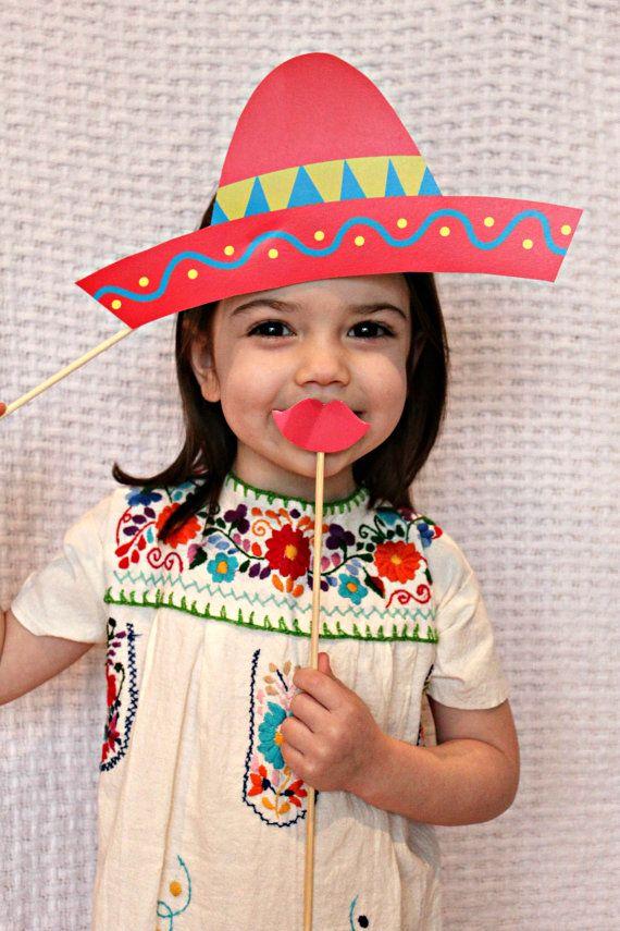 ¡Que estas fiestas patrias sean las más divertidas! Busca estos accesorios para todos los asistentes a tu celebración.