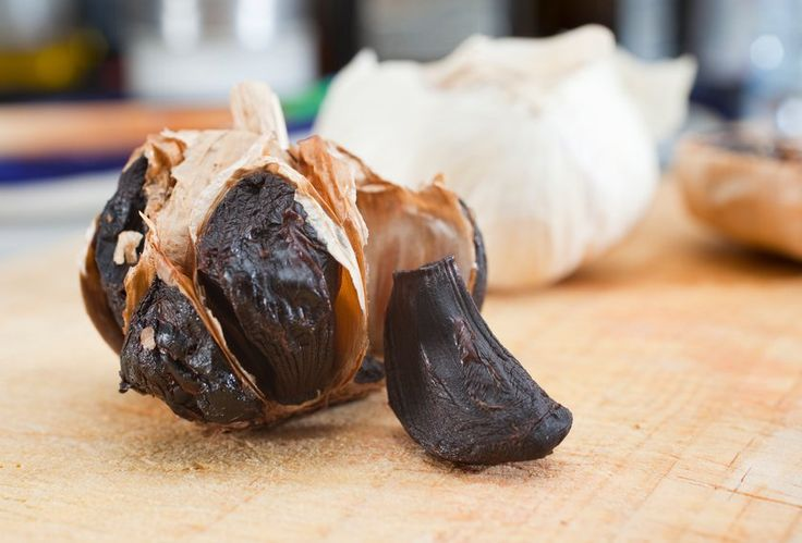 Black Garlic: 4 Reasons You Should Eat It, How To Make It & Recipes