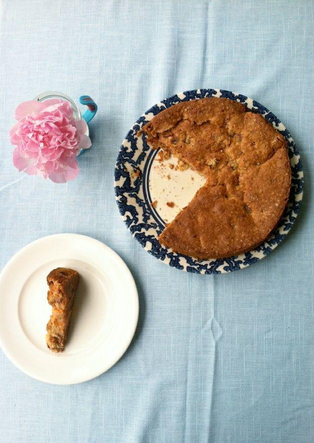 GF APRICOT AND STRAWBERRY CAKE