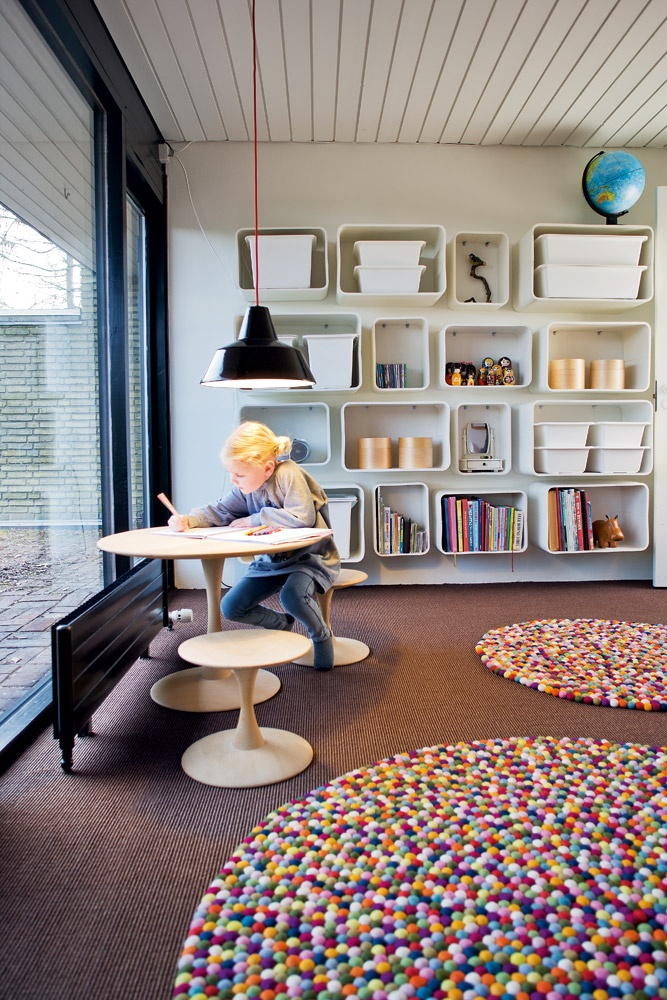 Stunning Colorful Round Rugs Bringing Up The Light To Room Kidsroom