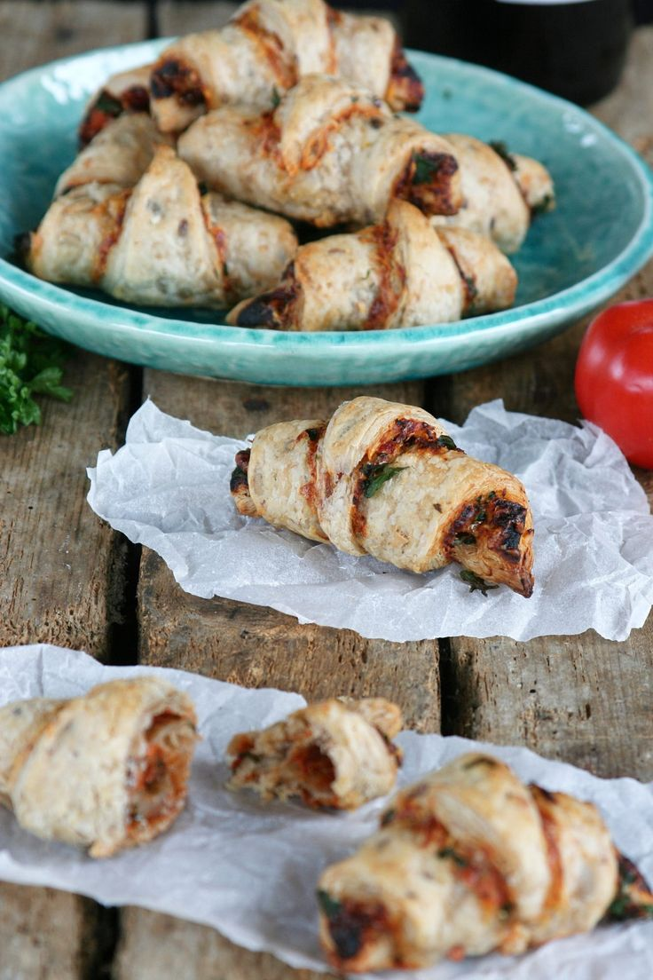 Parmesan rolls with dried tomatoes