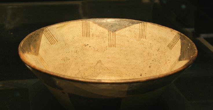 Chile antes de Chile | Chile bajo el imperio de los inkas | Escudilla campaniforme bicroma. Inka-Diaguita