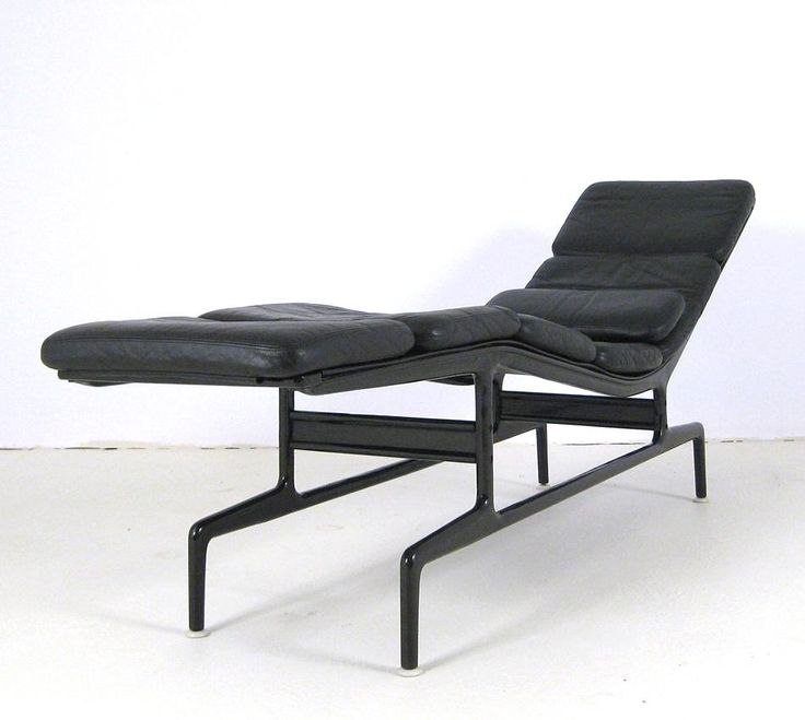 AreaNeo | Charles & Ray Eames soft pad chaise ES 106 Vitra