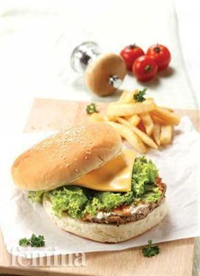 Femina.co.id: Martabak Burger