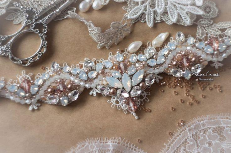 Повязка для невесты из кружева вышитая кристаллами и сверкающими бусинами #fctika @flowercrownkras #украшениекрасноярск #повязкадляволос #украшениенаголову #повязканевесте #кружевоневесте #расшитоекружево #кристаллывысокогокачества #бисертохо #бусиныподжемчуг #кружевокрасноярск #невестакрасноярск #weddingheadpiece #wedding #weddingaccessories #bridalaccessories #bridal
