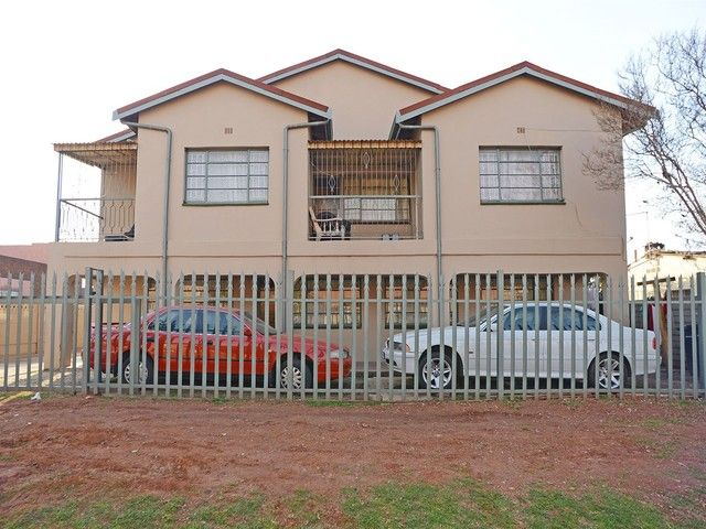 8 Bedroom House For Sale in Actonville | Kingstons Real  Estate