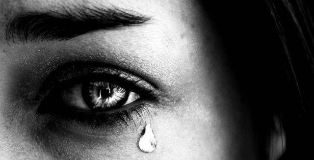 Για όνομα του Θεού! Βγάλτε αυτή τη γυναίκα από τη Μενόγια – Η κόρη της θέλει να πεθάνει όπως τους καταντήσαμε