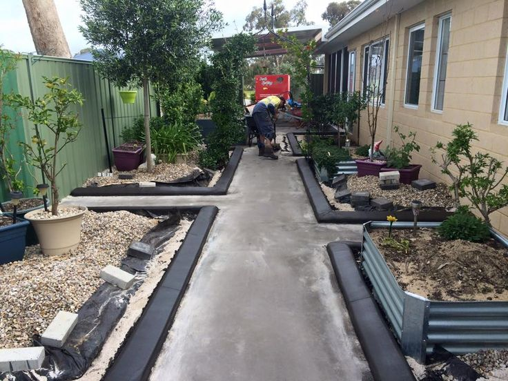 No more boring side of the house! Our client enjoys having separate veggie / fruit patches and will now keep them contained thanks to our garden edging. Done by Down to Earth Landscaping & Concreting.