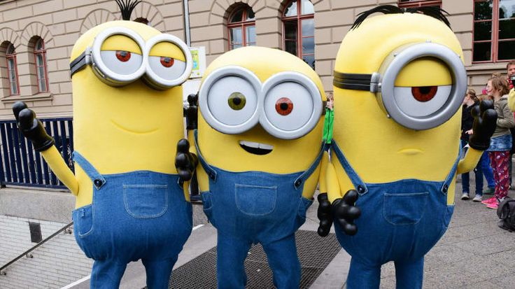 We're more than a little obsessed with thes DIY minion costumes