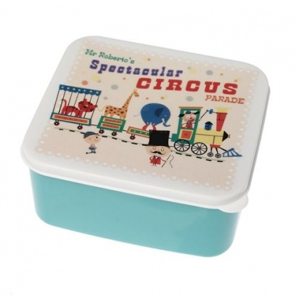 I wish I'd had this lunch box when I was at school - super awesome! $9.95 at larkmade.com.auBento Boxes, Lunch Boxes, Kids Stuff, Lunchbox Circus, Circus Lunchbox, Lunches Boxes, Circus Parade, Parade Lunches, Parade Lunchbox
