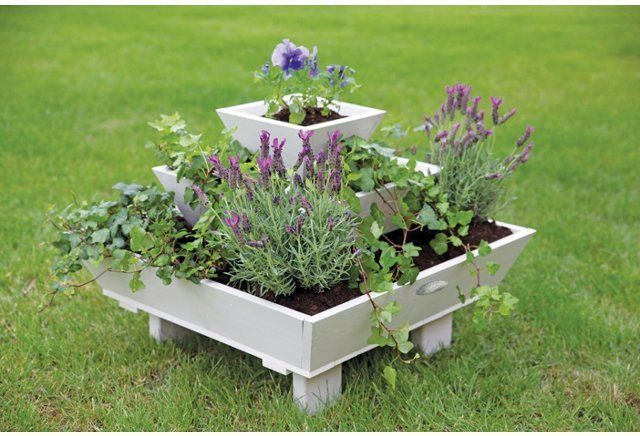 84 best images about pallet garden tiered pyramid on for Flower beds out of pallets