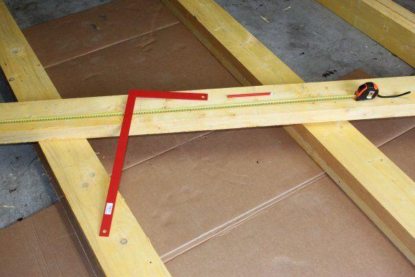 Bricolage Diy Fabriquer Son Etabli En Bastaing Etape 1 Les Pieds Fabriquer Etabli Etabli Bricolage Etable