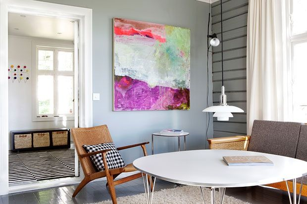 Love that painting - Moderne liv i gammelt hus love the chair