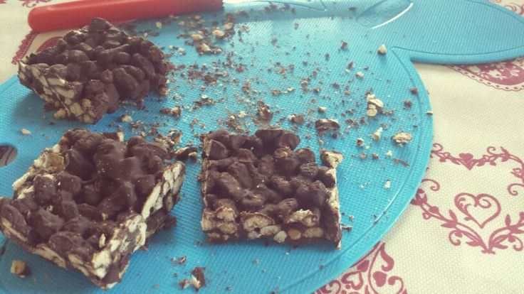 Homemade #choconippon!! Super easy recipe #yummy #farro #soffiato #chocolate #ricekrispies
