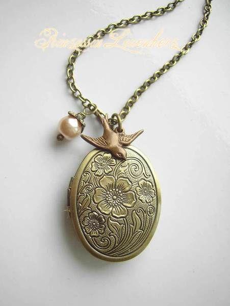 Ketten mittellang - Sommerschwalbe – Vintage Medallion Kette - ein Designerstück von Prinzessin_Leuenherz bei DaWanda