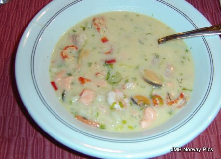 "A seafood bisque recipe from Norway.  In Norwegian it is called ""Fiskesuppe med reker""."