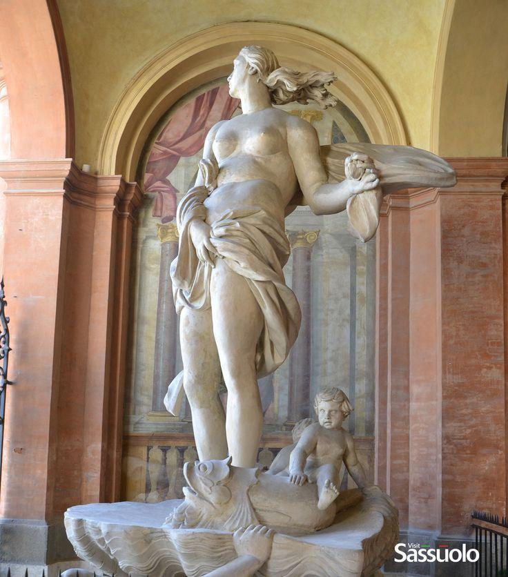 Galatea - the entrance of the Palace