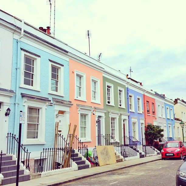 Notting Hill .... Doesn't that look like Rory and Amy's.....?