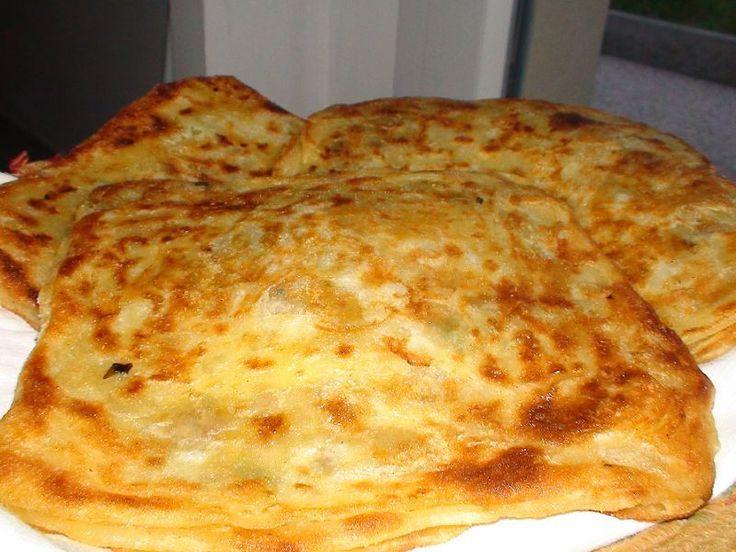 Recette Ramadan Msemen farci marocain à la Viande hachée. INGRÉDIENTS (9 PERSONNES) La farce : – 400 g de viande hachée – 1/2 c à c de sel – 1 c à c de cumin en poudre – 1 c à c de paprika en poudre – 1/2 c à c de poivre – 1 …