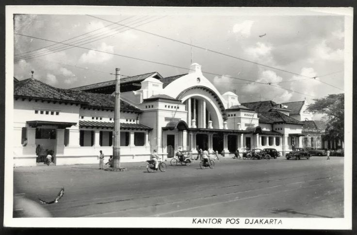Post Office Jakarta ~ Indonesia ~ ca 1950. The facade of this building is exactly the same to what we see currently. Still serving as main Post Office from Jakarta for these past 60 years.  Such a beatiful one. Now you can find Starbuck next to it on the left hand side still part of this building and it looks so classy a different one from Starbuck locations which mostly located at new buildings.