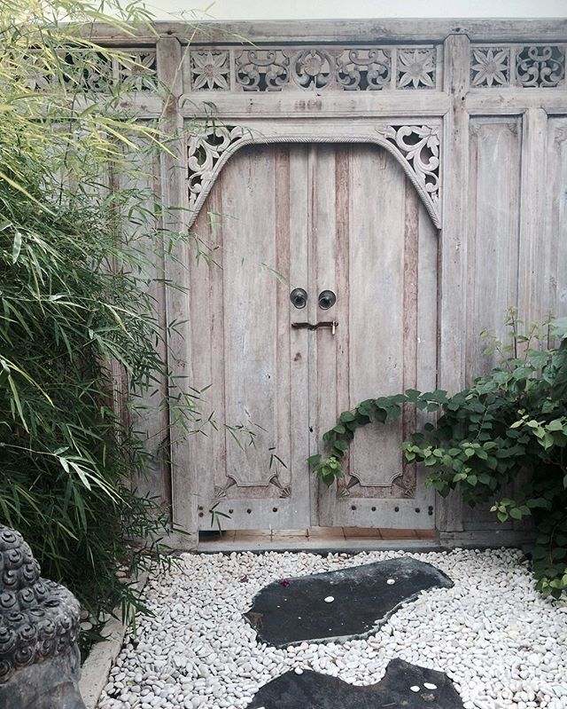 Bali door at Trinity Gardens Ubud. & 211 best Bali Doors \u0026 Entrances images on Pinterest | Front doors ...