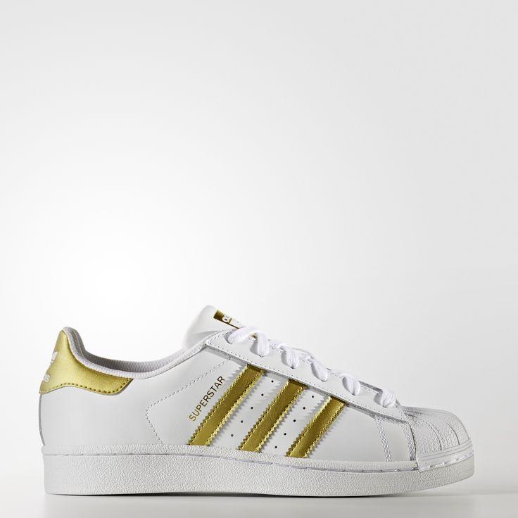 Superstar  - Branco, compre na adidas.com.br! Superstar  - Branco em vários estilos e cores na página oficial da loja online adidas Brasil.
