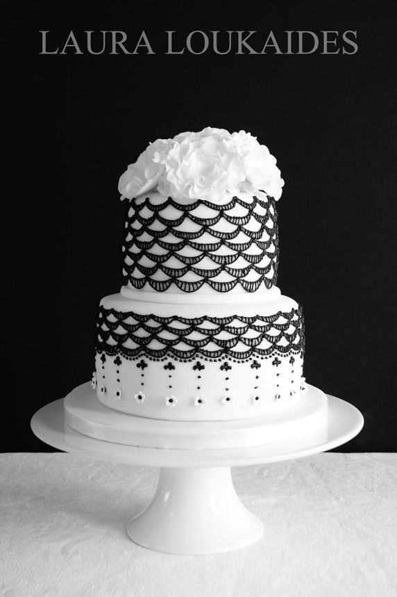 Pretty Black  White Vintage Lace Inspired Cake