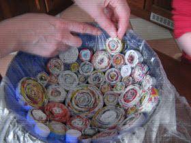 Un cestino di carta riciclata        Un porta foto di carta riciclata             e se lo coloriamo diventa un perfetto accessorio da abi...