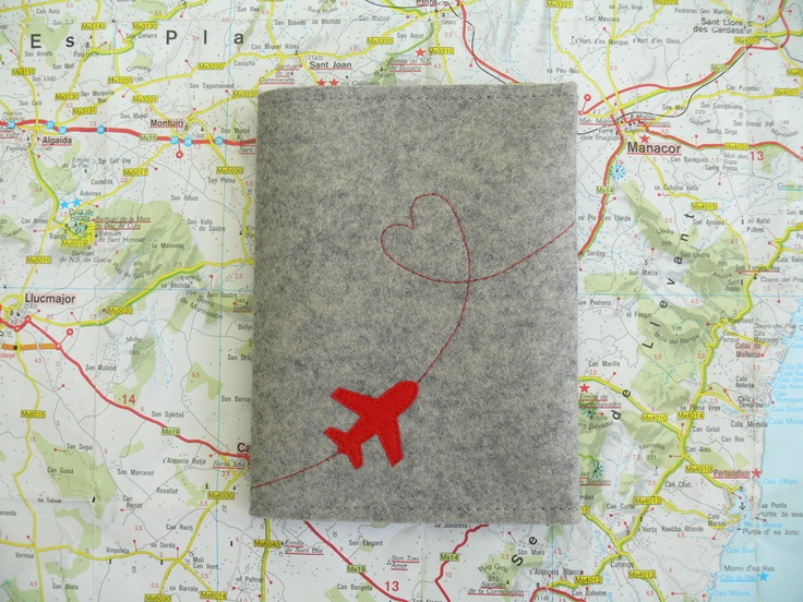 Eine schöne Reisepass-Hülle für die ganze Familie.  Passend für 2 Erwachsenen-Reisepässe und 2-4 Kinder-Reisepässe.    Reisepasshülle aus tollem grau-