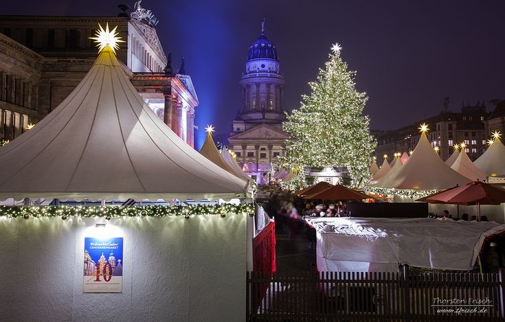 Christmas market on the  Gendarmenmarkt in Berlin   (c) Thorsten Frisch