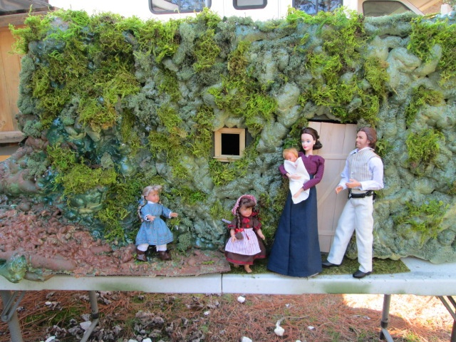 on the banks of plum creek 1 6 scale dugout diorama for ma pa mary laura and baby carrie 1. Black Bedroom Furniture Sets. Home Design Ideas