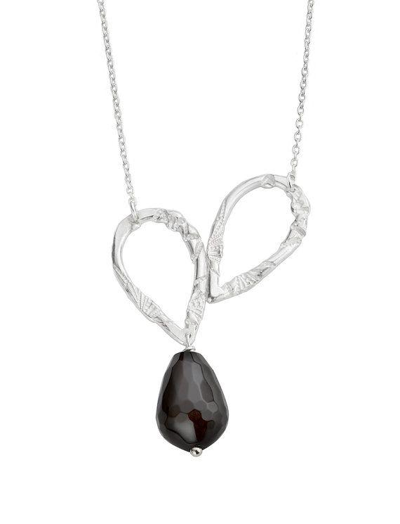 Zilveren ketting in hart vorm. Hart hanger door LiesWambacqJewelry