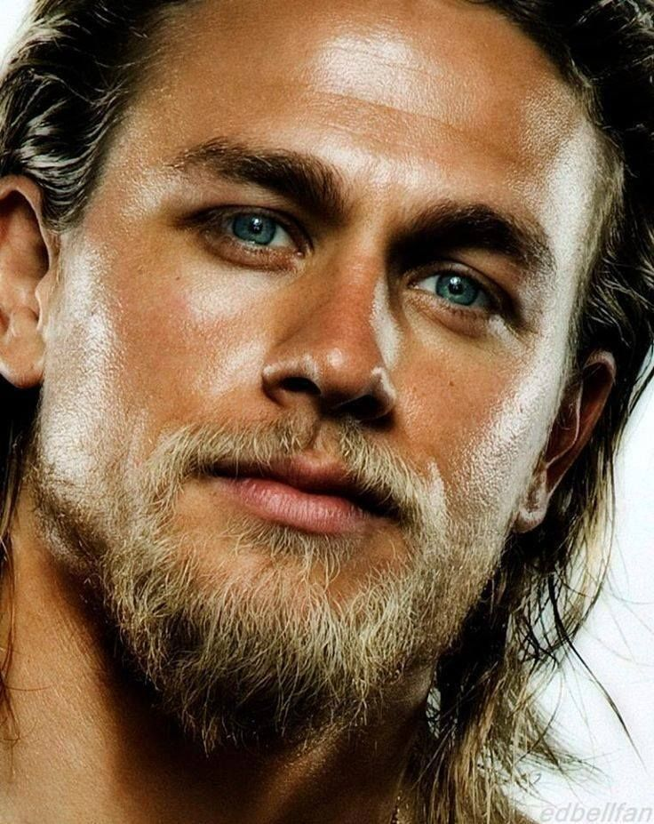 Charlie Hunnam... lose the beard and he would be fiiiiiine! look at those cheek bones, and the eyes